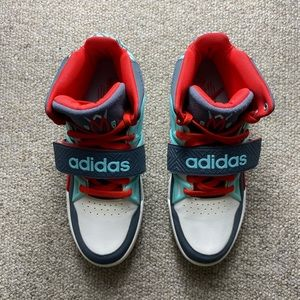 Adidas Mutombo TR Block shoes